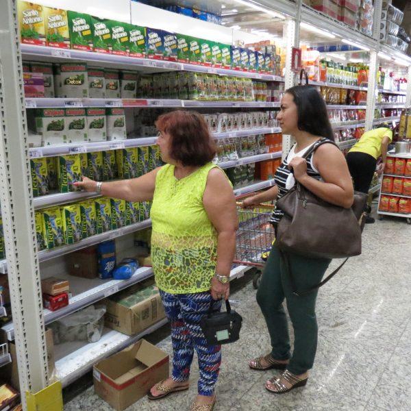 Compras em atacarejo garantem economia para ganhadora de promoção