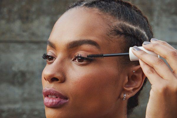 Make B. e Track&Field se unem para o lançamento de nova linha de maquiagem ultra resistente para a prática de atividades físicas